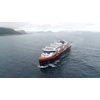 MS Roald Amundsen sailing on battery power. Photo: Hurtigruten