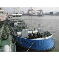 Bulk delivery of ExxonMobil's Mobilgard 570 cylinder oil in the Port of Shanghai is now available by Hai Gong You 30, the first double-hulled marine lubricants-delivery barge to operate in Shanghai.
