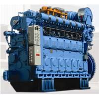 MAN 32/40 four-stroke engine.