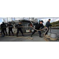 USS Gettysburg Sailors Cast Off: Photo credit USN