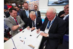 Mr. Erwin van Dodewaard (Commercial Manager, Herman Senior), Mr. Chris van Dodewaard (Technical Department / Purchaser, Herman Senior), Mr. Jos van Woerkum (Managing Director, Damen Shipyards Hardinxveld) and Mr. Jack van Dodewaard (Managing Director, Herman Senior).  Photo credit @Piet Sinke / Maasmond Maritime