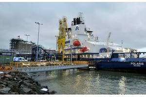 Finland's first LNG-fueled icebreaker Polaris bunkered in Pori (Photo: SkanGas)