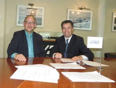 Last week contracts were signed at the VEKA head office in Werkendam by Stefhan van den Hil from VEKA Group bv (right) and Leo van Zon, Van der Velden Marine Systems B.V. (left).