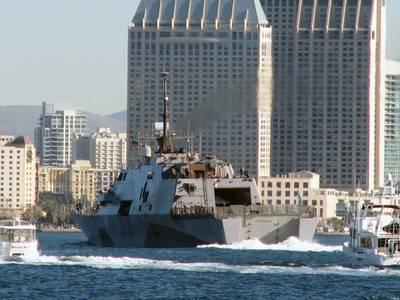 USS Freedom, San Diego: Photo USN