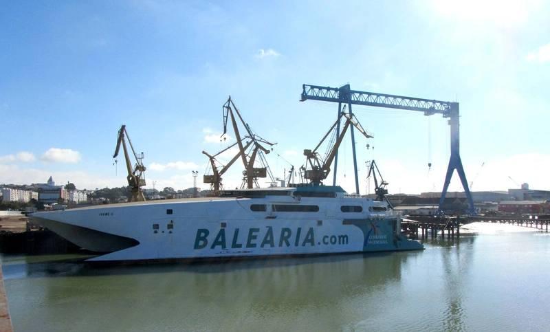 Baleària's fast ferry Jaume II Photo Baleària