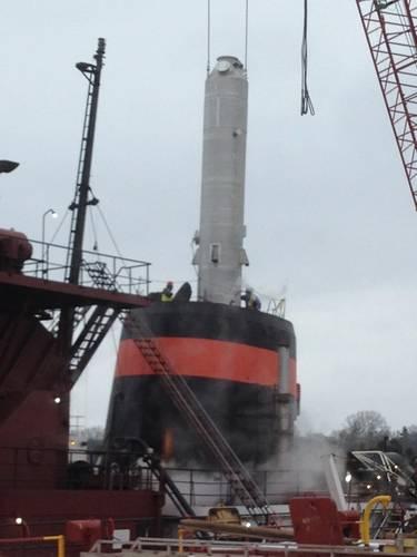 DuPont marine scrubber during Interlake loading. (Photo courtesy of  DuPont Marine)