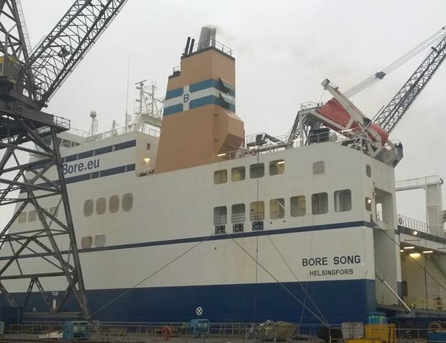 Bore Song left Fayard dry docks with open loop in operation. (Photo: DeltaLangh)