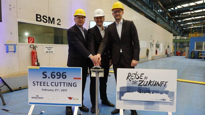 Felix Eichhorn, President of AIDA Cruises with Tim Meyer and Bernard Meyer, CEOs at MEYER WERFT. (Photo: MEYER WERFT)