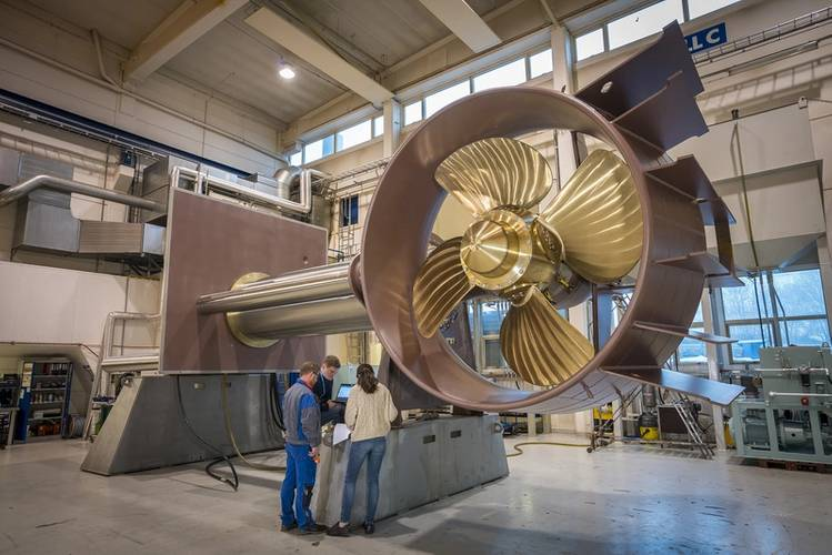 Final assembly and FAT of Brunvoll AR100 Retractable Azimuth Thruster. (Photo: Brunvoll)