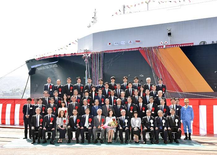 The newly built LNG carrier Diamond Gas Orchid was officially named during a ceremony on April 18 (Photo: NYK)