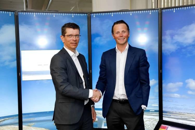 Geir Håøy, President and CEO of KONGSBERG (left) and Thomas Wilhelmsen, Wilhelmsen group CEO (right) (Photo: Kongsberg/Wilhelmsen)